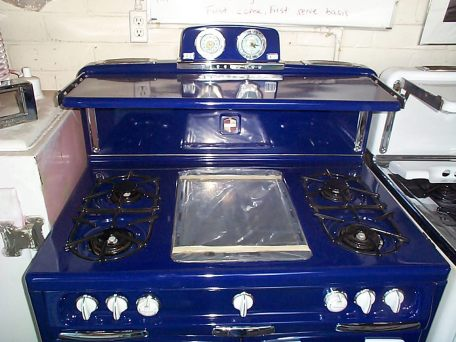 "Killer Cobalt really pops on this 40"" Wedgewood with fold down Bakers shelf, center griddle left side adjustable broiler torpedo light and more"