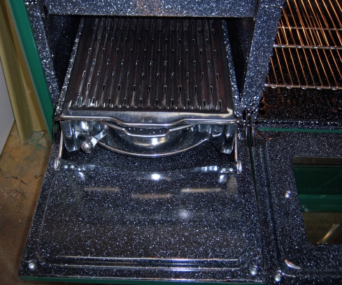 """Grillavator"" Adjustable Broiler with Broiler and Drip-pan Assy for easy removal"