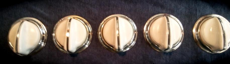 O'Keefe & Merritt knobs, no shaft. $30 each
